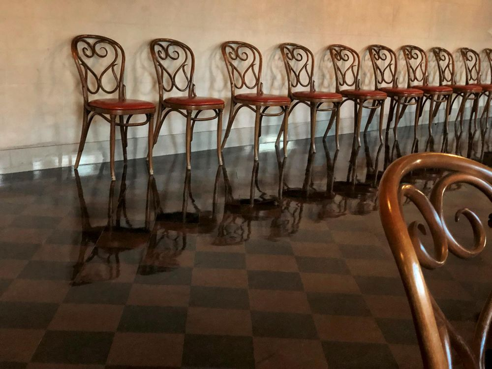SobolHe-San-Francisco-Opera-Chairs_Photo_16x20