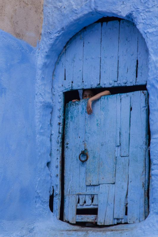 JacobusCa-Behind-the-Blue-door_Photo_24x18
