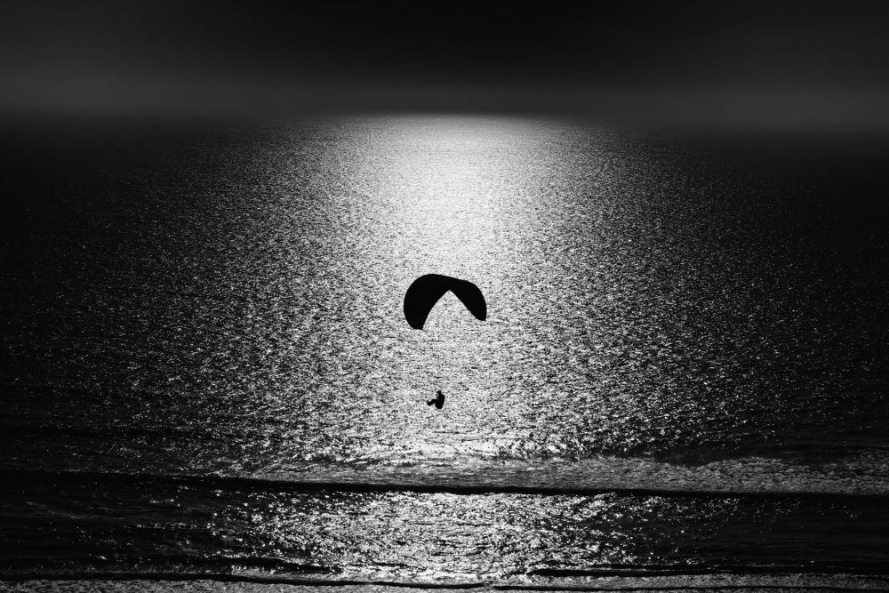 VanZandtVi-Hang-Glider-Evening_phot21x27
