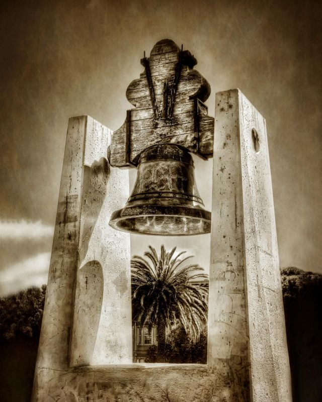 BorrelliPa-Mexican-Liberty-Bell-Dolores-Park_1